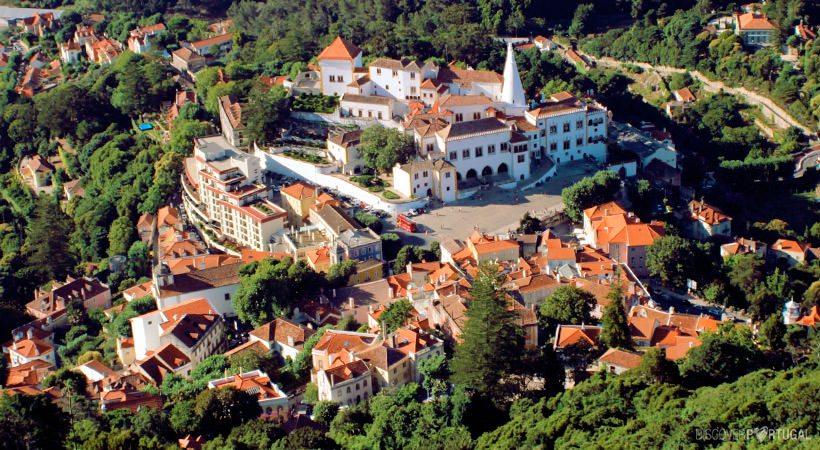 вид с высоты на деревню Синтра