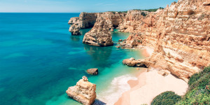 Пляж Мариня