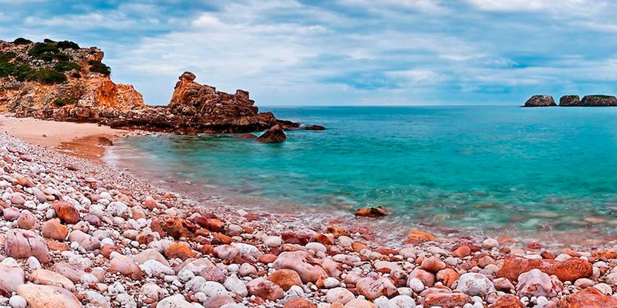 Пляж Реболинюш