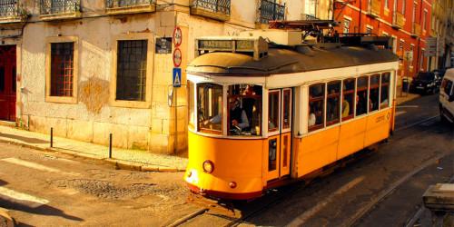 Самый романтичный транспорт в Лиссабоне